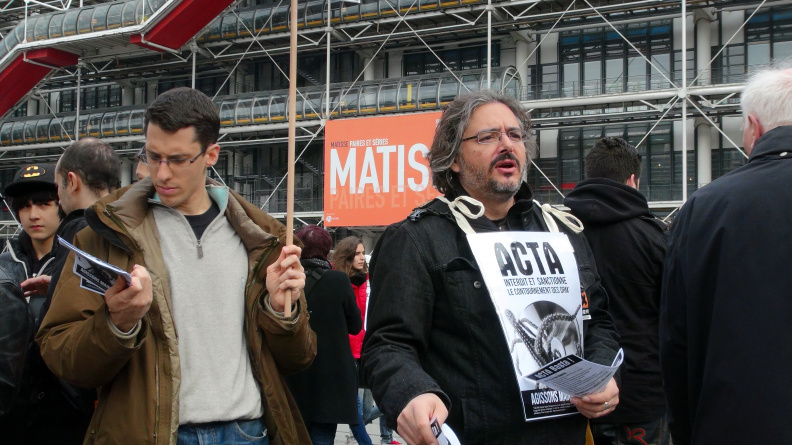 Manifestation_anti_ACTA_Paris_10_mars_2012_15.jpg